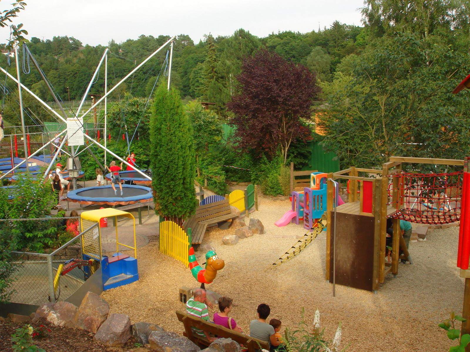 Klettergerüst Traktor : Spielplatz sommerrodelbahn edersee